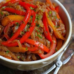 These balsamic peppers and onions are so easy and so good that we often make a double batch and store the leftovers in the freezer for another meal. 94 calories and 1 Weight Watchers Freestyle SP #cleaneating
