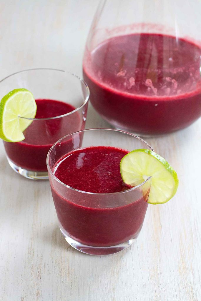 There's nothing more refreshing than a cold, fruity drink! This Berry Ginger Agua Fresca is the perfect thing for sipping on the beach or poolside. 105 calories and 5 Weight Watchers SmartPoints