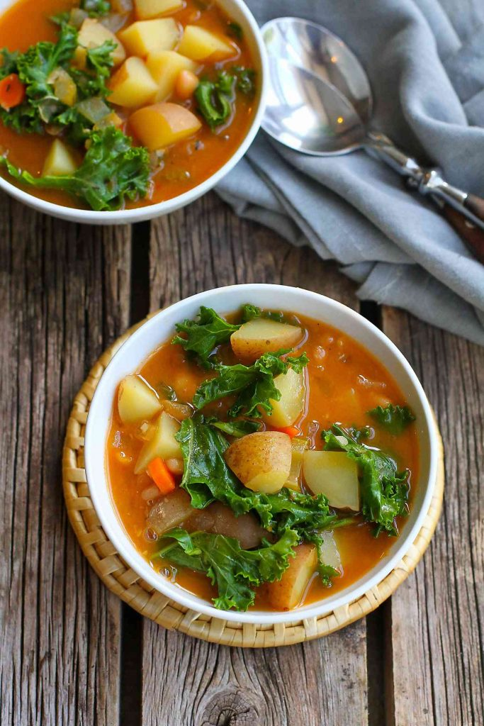 Vegan Potato Soup with Beans and Kale…You probably have everything in your fridge and pantry to make this delicious, healthy soup recipe! Great for busy nights. 211 calories and 4 Weight Watchers Freestyle SP