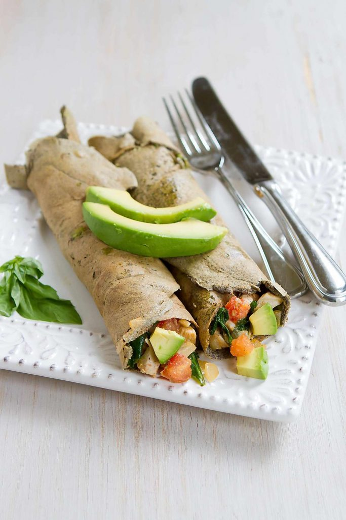 These Buckwheat Avocado Crepes with Chicken and Spinach make a fantastic savory brunch or dinner meal! 195 calories and 5 Weight Watchers Freestyle SP