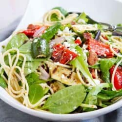 This Grilled Vegetable Salad with Bacon and Spaghetti is the perfect melding of flavors and textures. Great summertime salad! 221 calories and 7 Weight Watchers SmartPoints