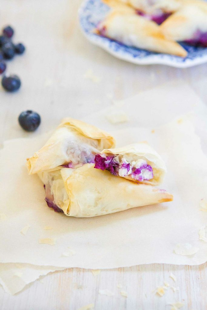 These 4-Ingredient Blueberry Goat Cheese Phyllo Turnovers make the most irresistibly flaky and delicious desserts or appetizers. 54 calories and 2 Weight Watchers Freestyle SP