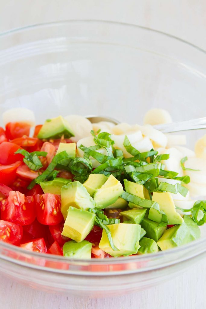 Have you ever tried a hearts of palm salad? This vegan salad, with tomato, avocado and a simple vinaigrette is perfect for a summertime side dish. 91 calories and 2 Weight Watchers SmartPoints