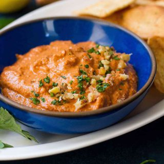 5-Minute Roasted Red Pepper Dip