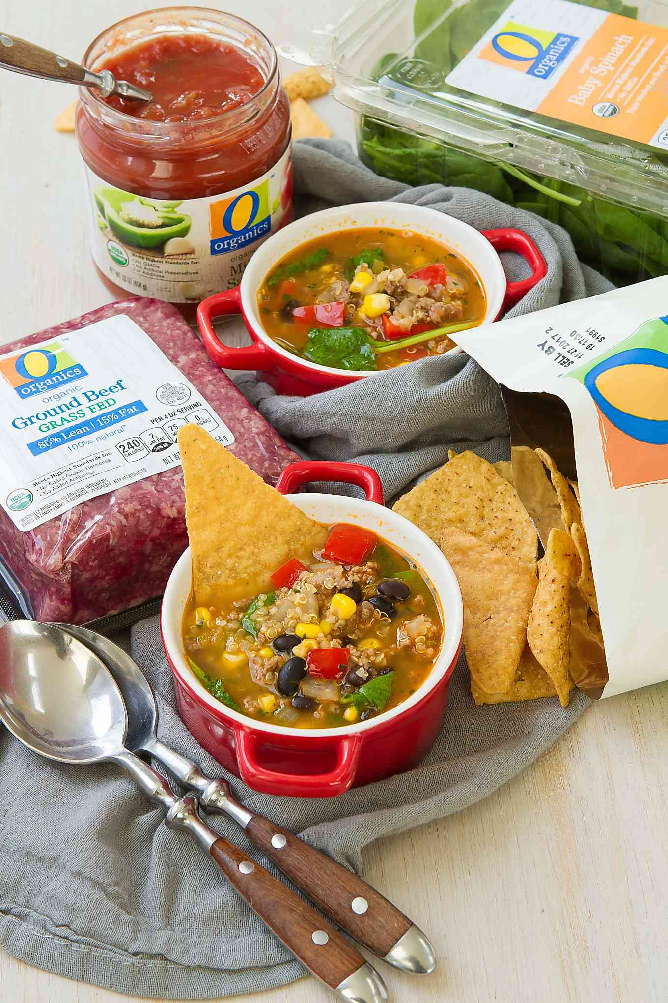 Get your dose of iron and veggies in a healthy and comforting bowl of Beef Taco Quinoa Soup. Great for loading up on vitamins in the cold and flu season. 210 calories and 4 Weight Watchers Freestyle SP