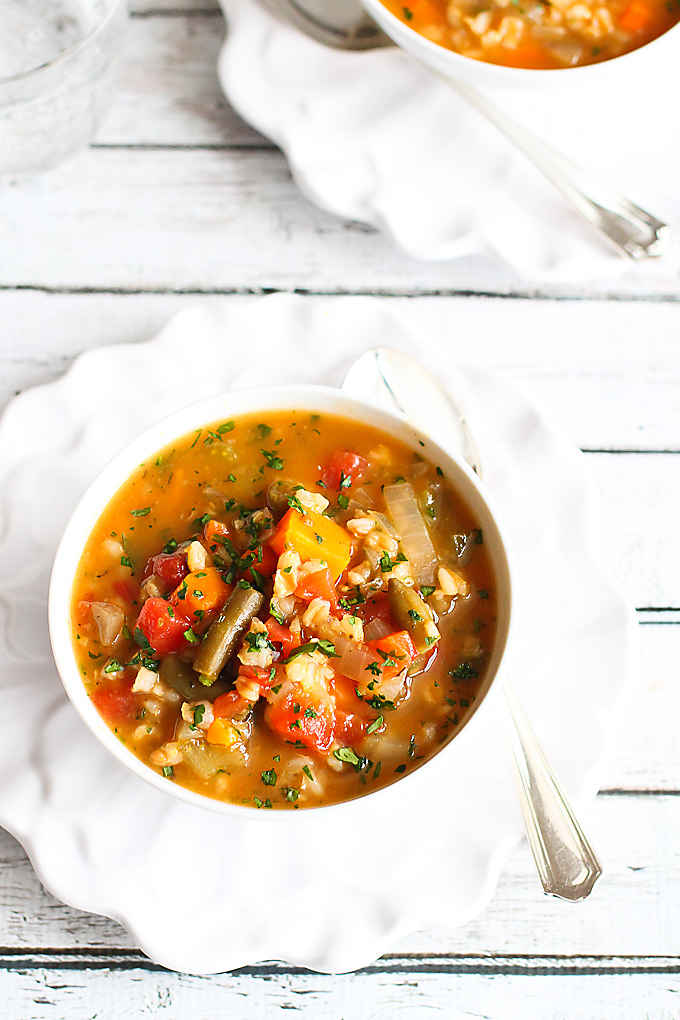 Slow Cooker Vegetable Barley Soup Recipe {Vegan}...A tasty way to get a couple of servings of vegetables! 164 calories and 4 Weight Watcher Freestyle SP