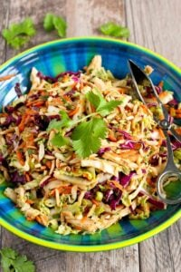 Thai Chicken Salad Recipe…It's virtually impossible to stop eating this delicious, healthy salad! 236 calories and 4 Weight Watchers Freestyle SP #cleaneating #weightwatchers #chickenrecipes
