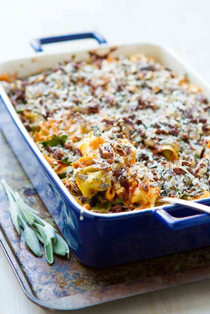 This baked cheese tortellini dish is packed with veggies and topped off with sage, pecans and Parmesan cheese. 335 calories and 9 Weight Watchers SmartPoints