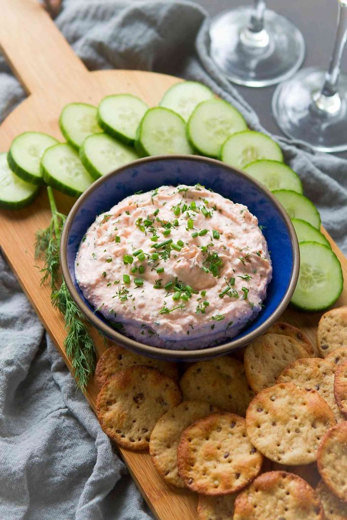 This light and easy smoked salmon dip can be made in just 5 minutes. Awesome for cocktail parties. 48 calories and 2 Weight Watchers Freestyle SP