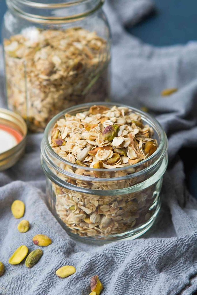This maple sweetened granola can be served with yogurt or wrapped up as gifts for the holidays. 143 calories and 5 Weight Watchers Freestyle SmartPoints