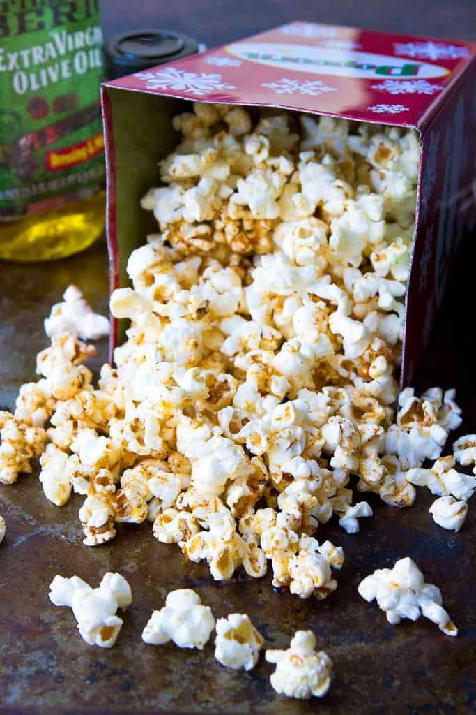 Love taco flavors? Love popcorn? Put them together in this healthy Taco Popcorn recipe for an easy, whole grain snack! 102 calories and 3 Weight Watchers Freestyle SP