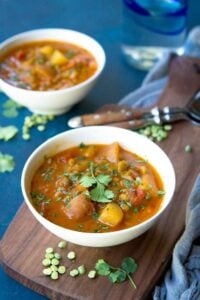 Easy, vegan and delicious! This Southwestern Instant Pot Split Pea Soup with Potatoes is fantastic for any night of the week. 140 calories and 2 Weight Watchers Freestyle SP