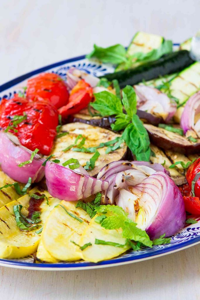 If you're not sure how to grill vegetables, this is one of the easiest recipes to start with! Who knew grilled vegetables could be so addictive?! 145 calories and 3 Weight Watchers Freestyle SmartPoints