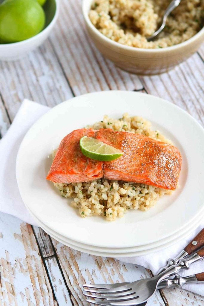 Only a few ingredients and 18 minutes needed to make this healthy, delicious Spice Rubbed Baked Salmon recipe! 234 calories and 1 Weight Watchers Freestyle SmartPoint #dinner #salmon #glutenfree #cleaneats