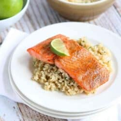 Dinner in a jiffy! Only 18 minutes to make this healthy and delicious Spice Rubbed Baked Salmon recipe! 234 calories and 1 Weight Watchers Freestyle SP