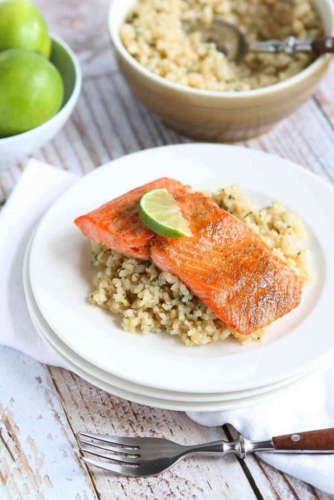 Dinner in a jiffy! Only 18 minutes to make this healthy and delicious Spice Rubbed Baked Salmon recipe! 234 calories and 1 Weight Watchers Freestyle SP #salmon #recipe #cleaneating