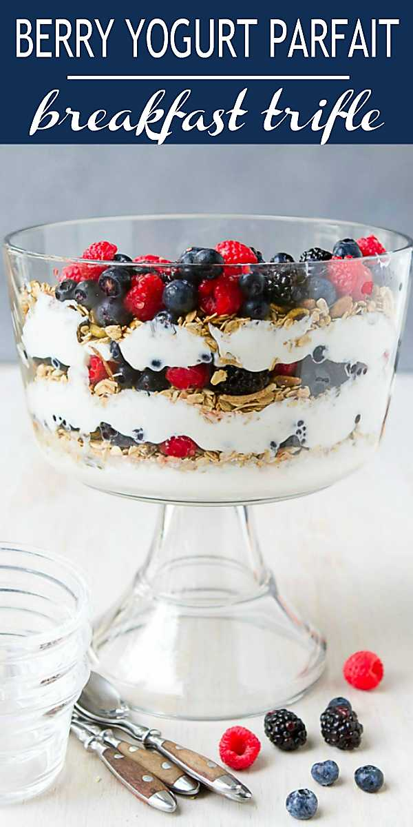 Guests coming over for brunch? Turn your favorite yogurt parfait recipe into a healthy trifle recipe that can feed a crowd. Great for the holidays, too. 154 calories and 3 Weight Watchers Freestyle SP #healthybreakfast #recipe #lowfat