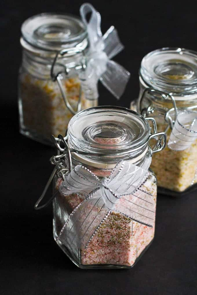 How to Make Flavored Salts...Great for holiday gifts! Plus 5 More Homemade Gift Ideas #salts #giftideas #foodgifts