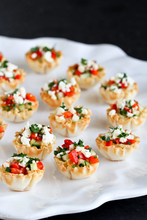 Mini Hummus and Roasted Pepper Phyllo Bites...Quick and easy appetizers! Only 67 calories and 2 Weight Watcher Freestyle SP #appetizer #recipe #vegetarian