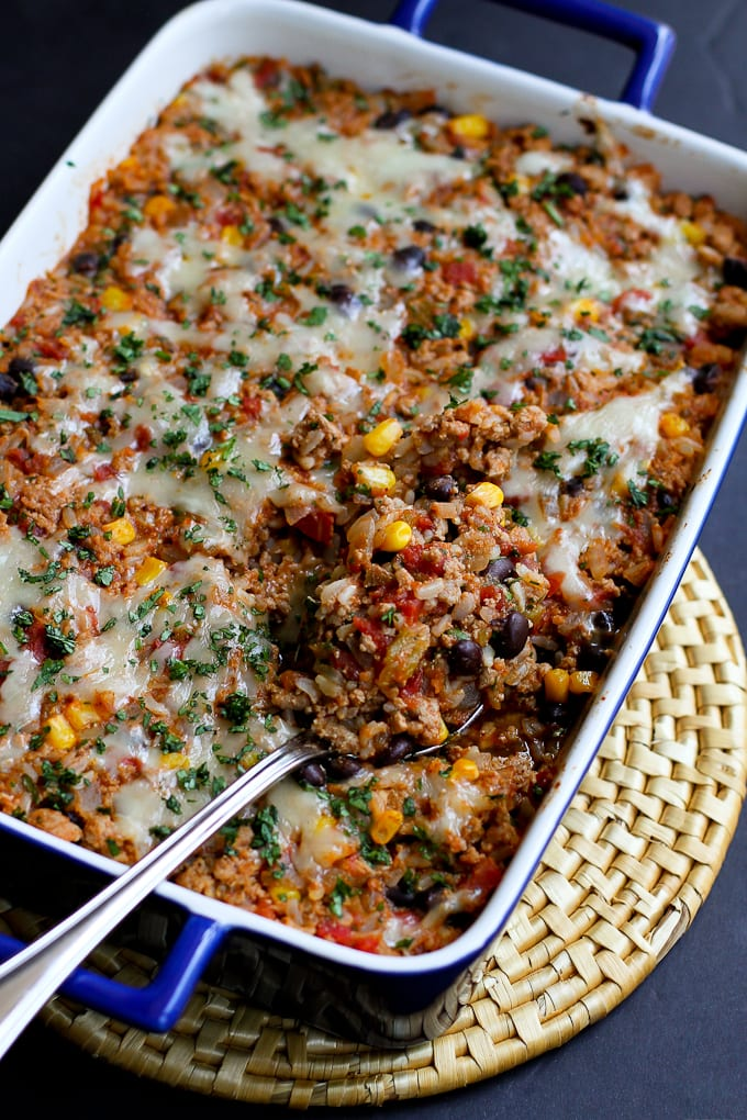 Ground turkey recipes are quick and easy options for busy weeknights, and this southwestern turkey rice casserole is one we make over and over again. 267 calories and 5 Weight Watchers Freestyle SP #casserole #groundturkey #weightwatchers