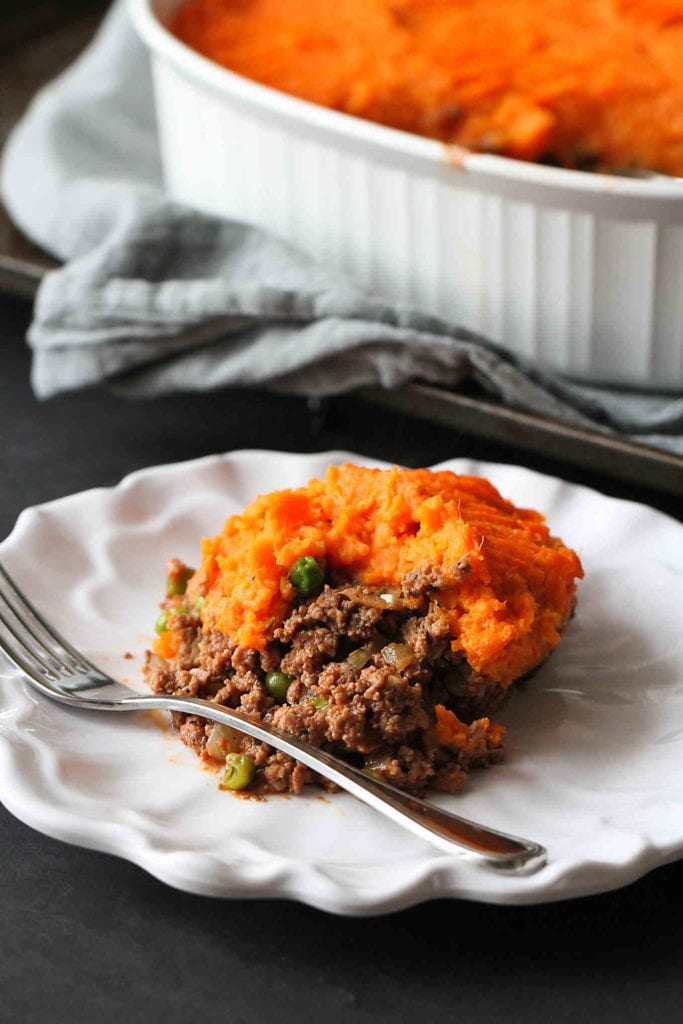 Sweet Potato & Bison Shepherd's Pie…A hearty, classic casserole recipe with a twist! 310 calories and 8 Weight Watcher Freestyle SP #healthy #dinner #weightwatchers