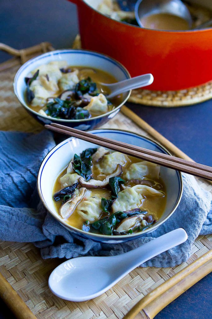 This 15-Minute Wonton Soup is made for busy weeknights! Wonton soup is always a hit with my family & I love that this recipe is loaded with veggies. 172 calories and 3 Weight Watchers Freestyle SP #soup #wonton #weightwatchers #recipe