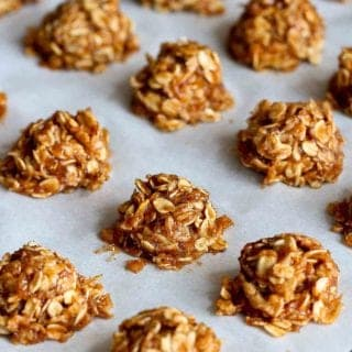 Spoil your family with these healthy no-bake cookies. Sweetened naturally with maple syrup and banana. And if you follow a vegan diet, these treats are for you, too! 60 calories and 2 Weight Watchers Freestyle SP #nobake #cookies #weightwatchers