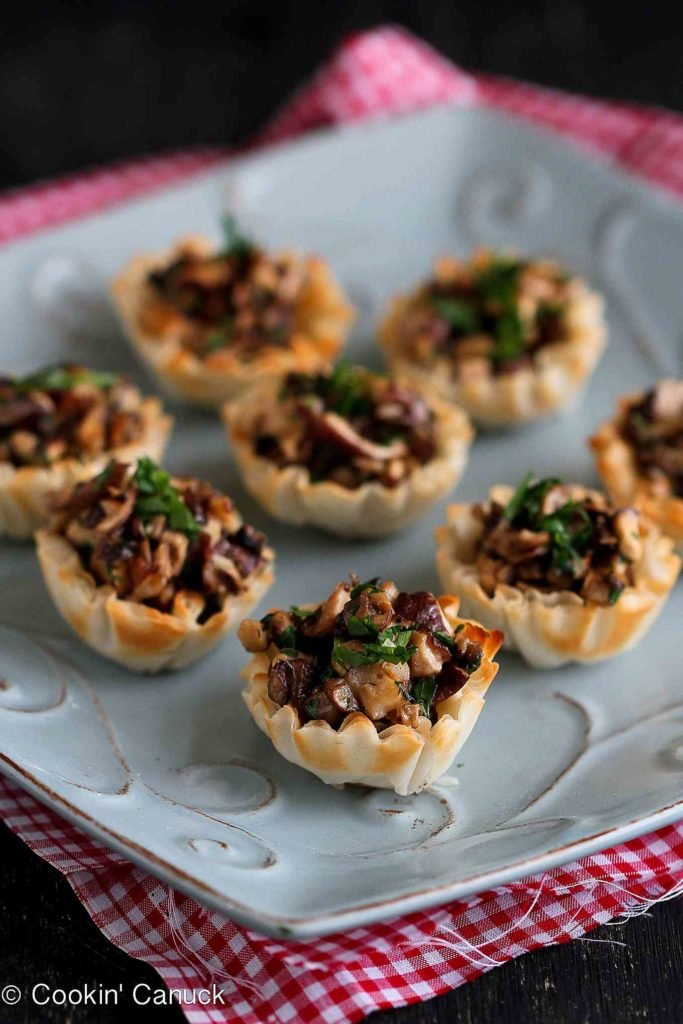 You can't eat just one of these mini phyllo bites, stuffed with sauteed mushrooms and Gorgonzola cheese. 74 calories and 2 Weight Watchers Freestyle SP #recipe #mushrooms