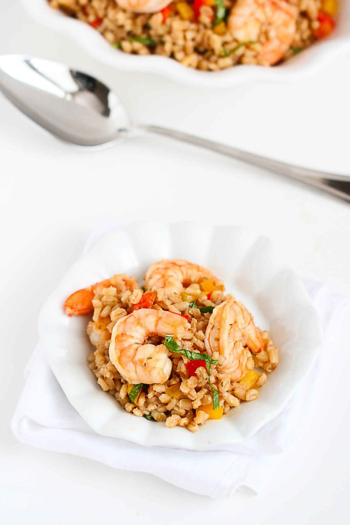Serve up this toasted barley shrimp salad for a light dinner or part of weekend brunch. 236 calories and 5 Weight Watchers Freestyle SP #saladrecipes #barley