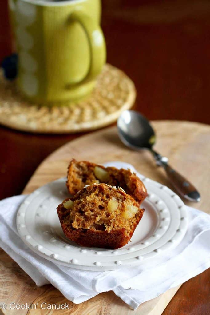 Whip up a batch of these healthy whole wheat apple spice muffins for snacks. Stash the leftovers in the freezer for an on-the-go breakfast option. 105 calories and 3 Weight Watchers Freestyle SP #muffins #weightwatchers