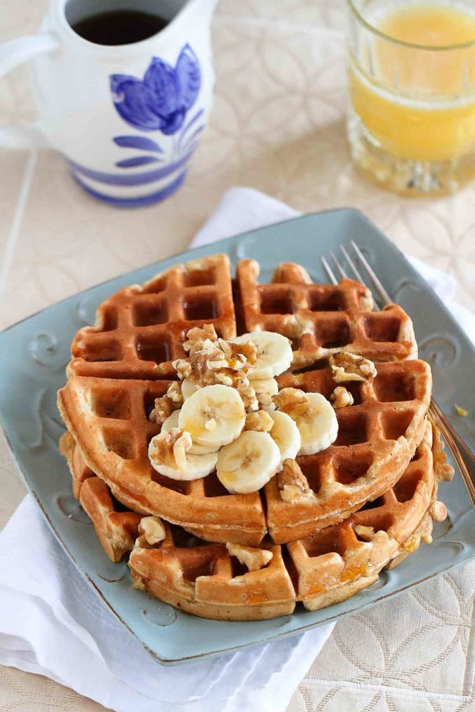 Everyone needs a whole wheat waffle recipe in their brunch arsenal. This banana nut version is a family favorite. 160 calories and 4 Weight Watchers Freestyle SP #brunchrecipes #recipe