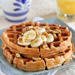 Give yourself a healthy and delicious breakfast boost with these whole wheat banana nut waffles. Perfect for weekend brunch! 160 calories and 4 Weight Watchers Freestyle SP #waffles #weightwatchers
