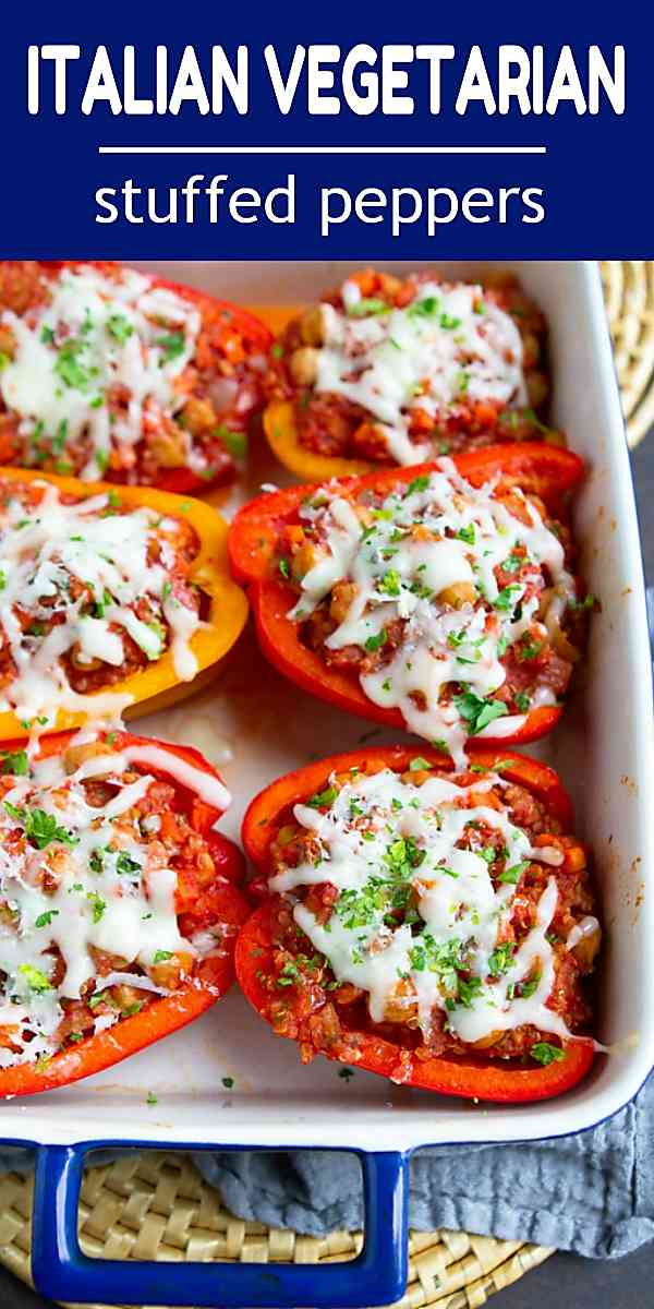 Put this vegetarian stuffed peppers recipe into your meal plan rotation. Super simple to make and delicious! 249 calories and 3 Weight Watchers SP #vegetarianreccipes #chickpeas #quinoa