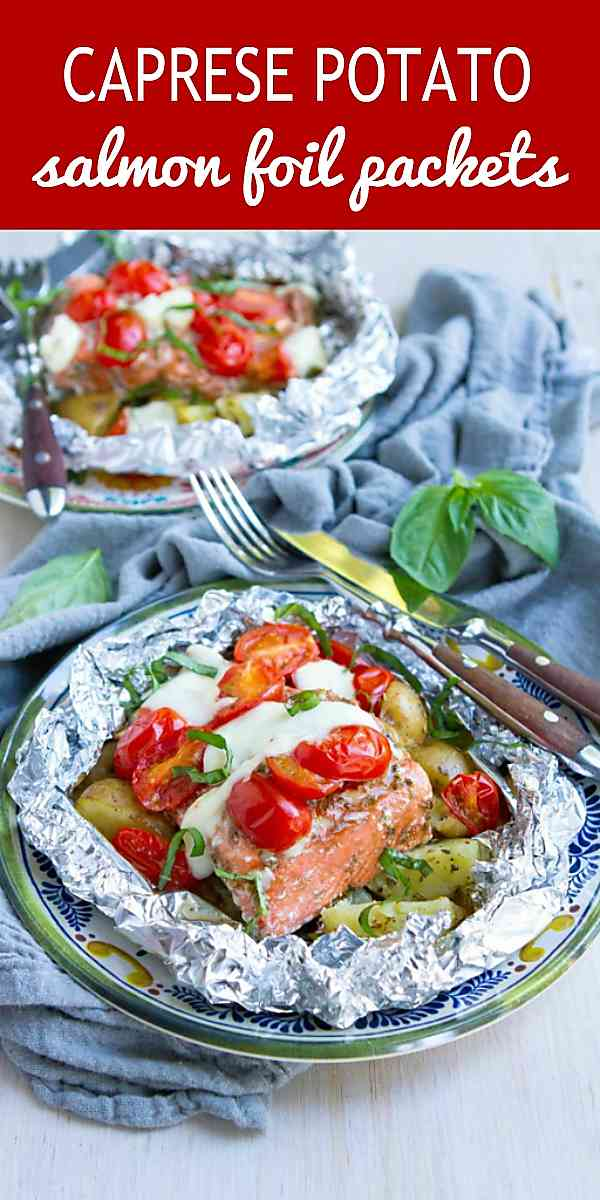 Foil dinner recipes are handy during the summer when you only want to cook outside on the grill. Tons of flavor and easy to make! 404 calories and 7 Weight Watchers SP #easyrecipes #healthyeating #cleaneating