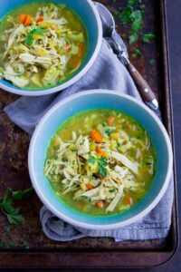 Turkey mulligatawny soup is a great way to use up turkey leftovers. Substitute rotisserie chicken if you don't have turkey. Tons of flavor in this dairy-free version! 238 calories and 2 Weight Watchers SP #souprecipes #thanksgiving #weightwatchers
