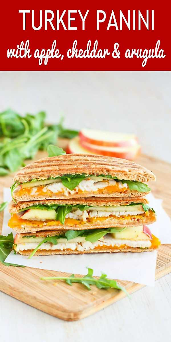 Grilled Turkey Panini with Apple, Cheddar and Arugula - The perfect lunchtime sandwich! 235 calories and 5 Weight Watchers SP #wwfreestyle #turkeyrecipes #healthy