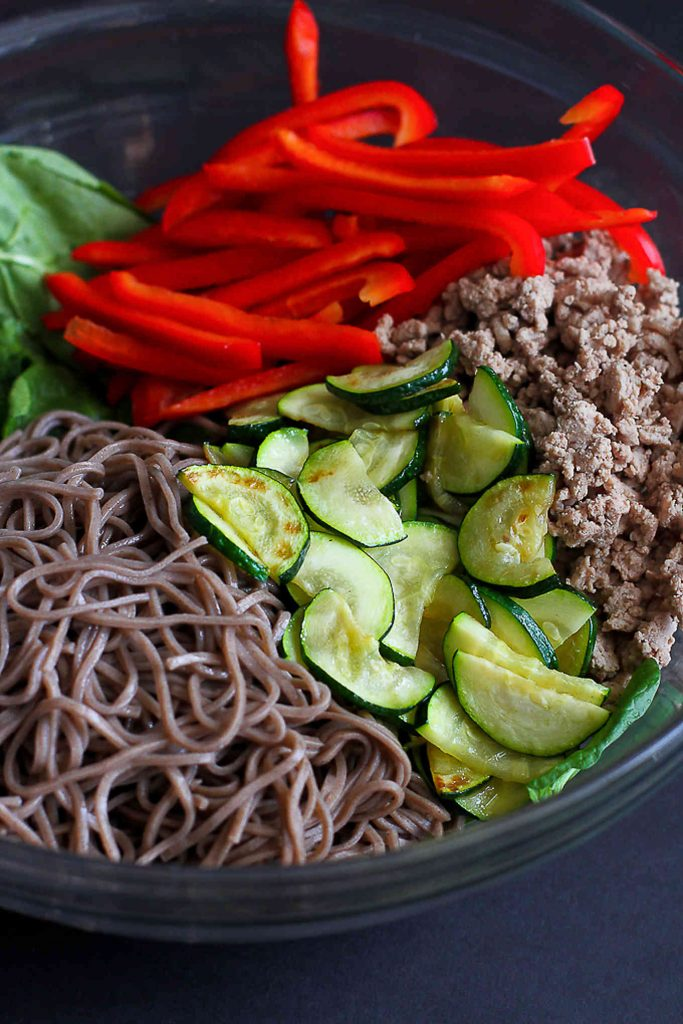 Soba noodles, zucchini red bell pepper and ground turkey