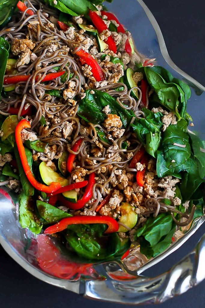 Soba noodles are mixed with ground turkey and vegetables for a healthy, cold salad that is packed with flavor! 286 calories and 5 Weight Watchers SP | Cold | Asian | Dressing | Easy | Gluten Free | Recipe | Simple | Meal Prep | Japanese #glutenfree #sobanoodlesalad #weightwatchers #smartpoints #dinnerrecipes