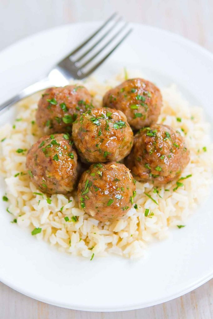 Meatballs are always a crowd pleaser! Baked and healthy, with a tasty honey apple cider glaze. 239 calories and 7 Weight Watchers SP | Easy | Healthy | In The Oven | Easy | Asian | Recipe | Meal Prep | Dinner #turkeymeatballs #bakedmeatballs #appetizerrecipes #dinnerideas #healthyrecipes #smartpoints #wwrecipes