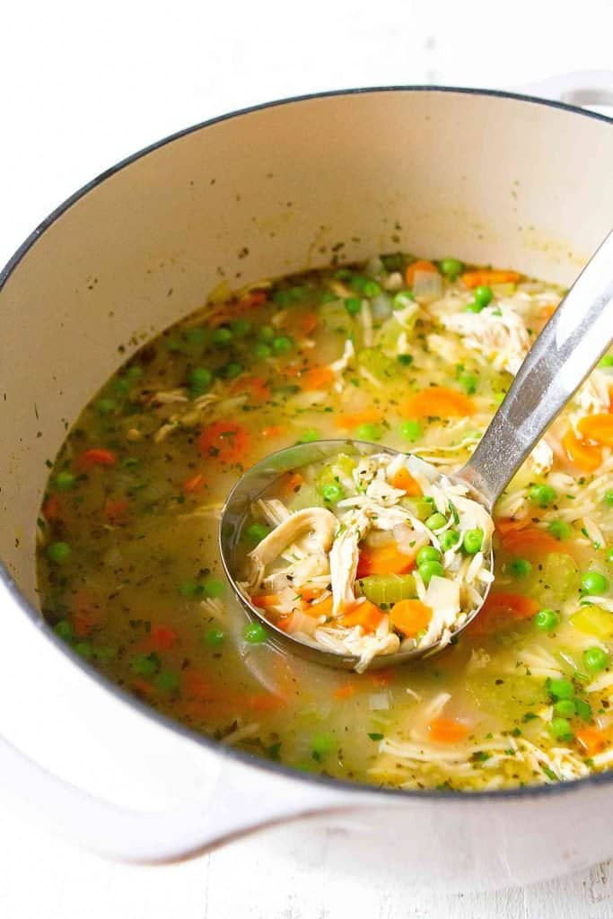 Weeknight dinners don't get any easier than this Chicken Vegetable Soup! Use precooked shredded chicken or rotisserie chicken. 301 calories and 4 Weight Watchers SP | Recipe homemade | Chicken noodle soup | Recipes easy | Healthy | Freezer meals | Meal prep #chickenvegetablesoup #chickennoodlesoup #weightwatchers