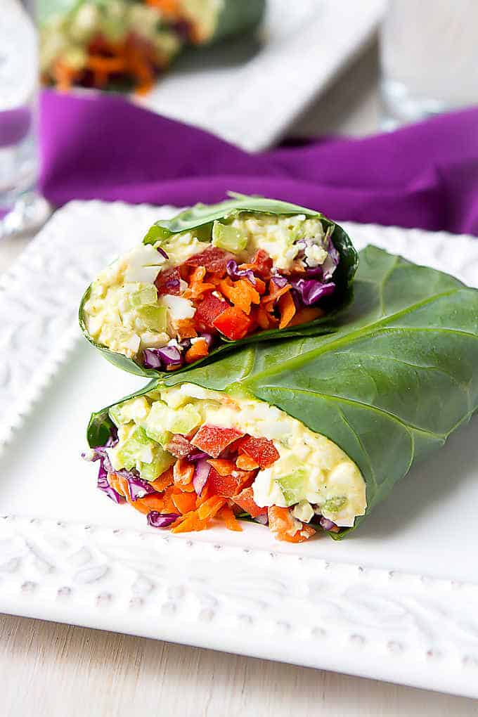 These collard green wraps are a fantastic way to serve lightened-up curry egg salad. Packed full of veggies! 152 calories and 0 Weight Watchers SP | Vegetarian | Recipes | Low Carb | Meal Prep